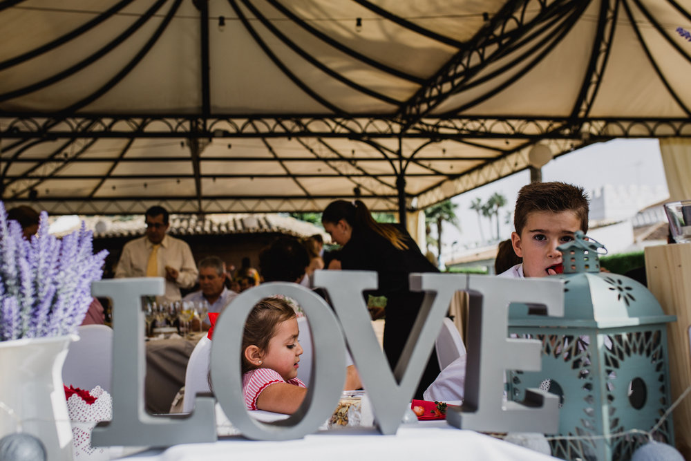 kidsatwedding. carlospavonfotografia.jpg