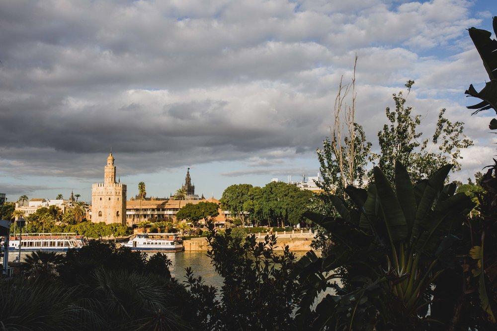 Preboda-en-Triana-Sevilla-Carlos-Pavón-Fotografía (1).jpg