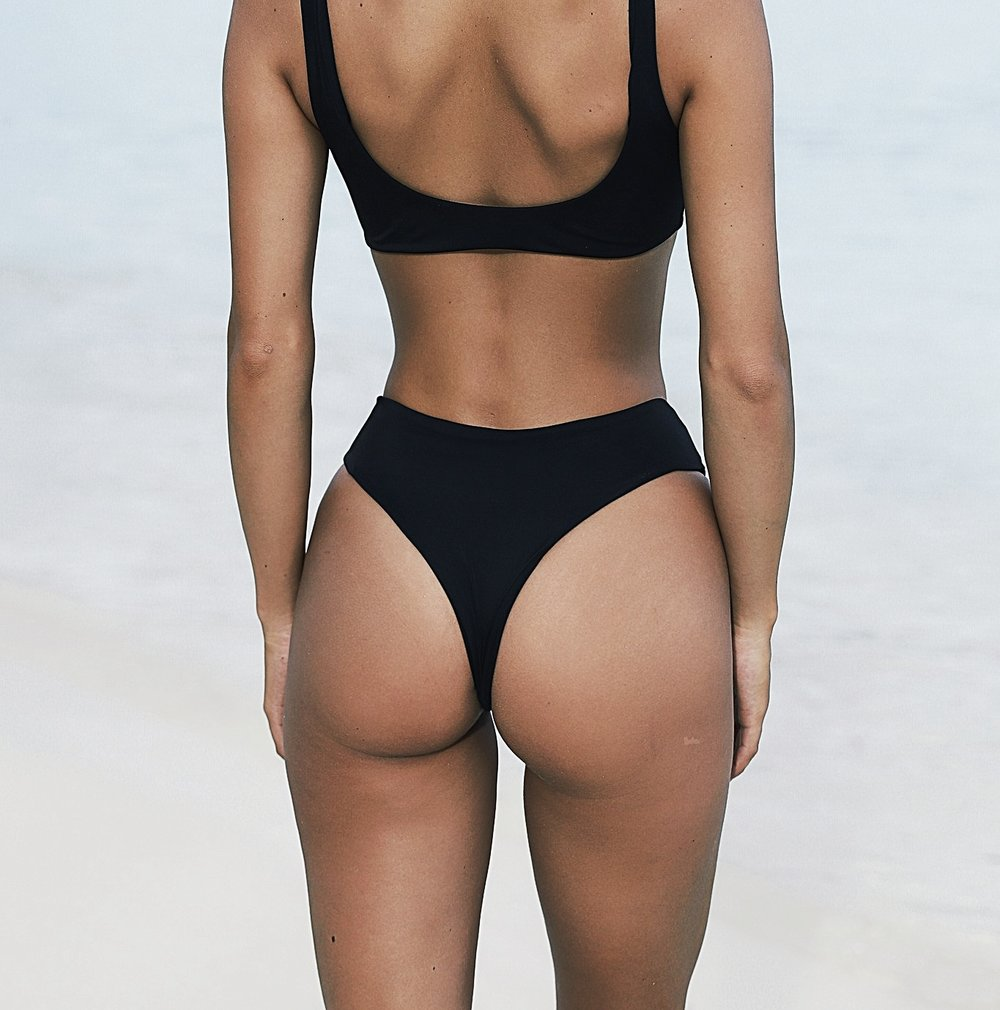SHOP SWIMSUIT - Fell in love with this black bather from TJ Swim. The silhouette is gorgeous, and super flattering. High waisted cheeky bottoms, yes please! I purchased a medium in both top and bottoms.
