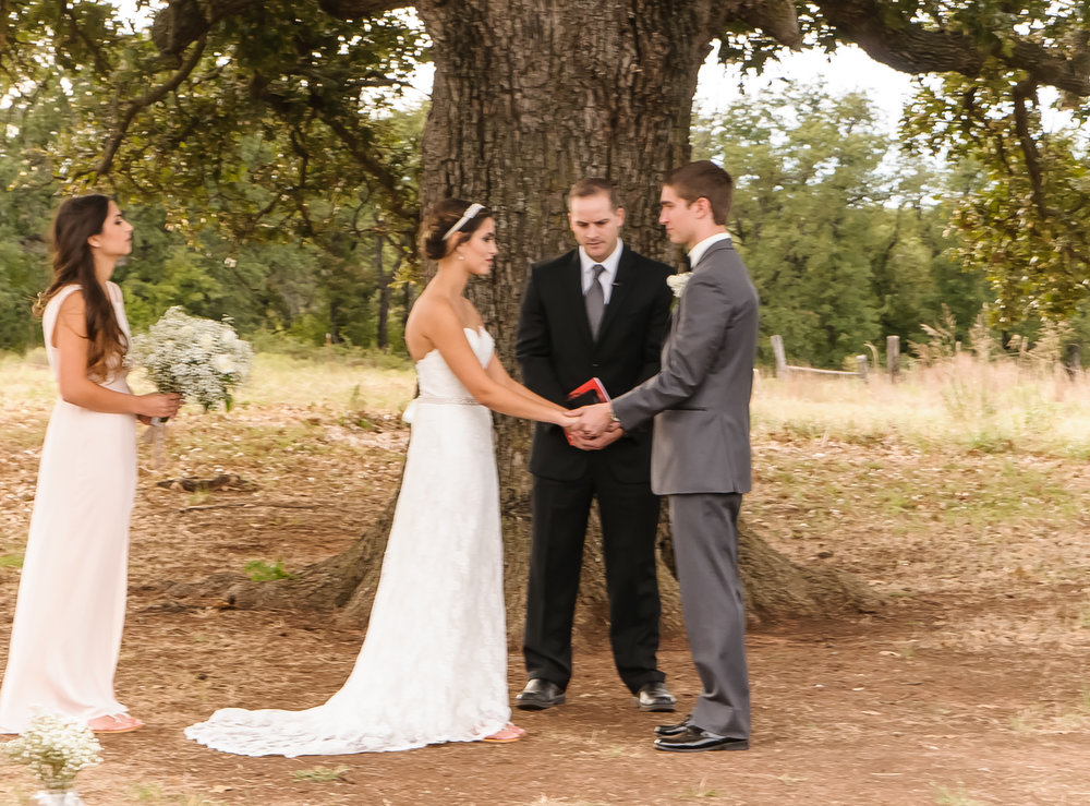 Wedding Photographer at Blessed Oak Marlow Oklahoma