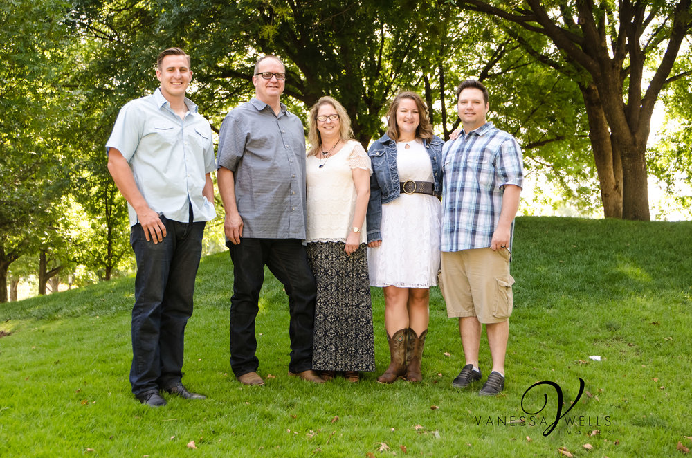 OKC Photographer, Family Portraits in the Park