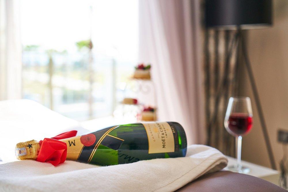 wine-3804526_1280.jpg