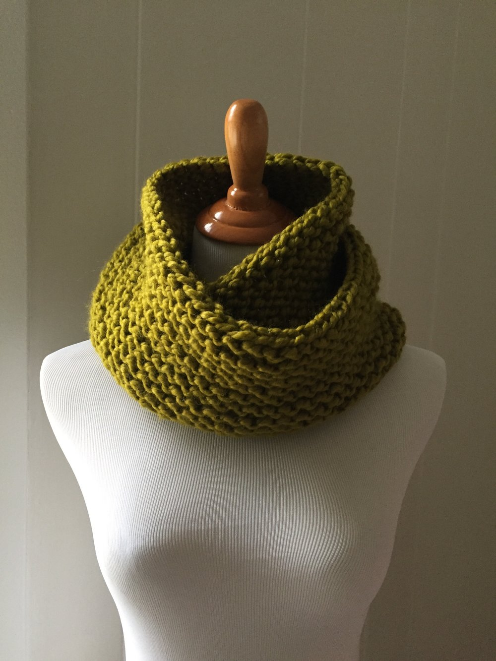 Garter Stitch Cowl Scarf Pattern — Knit Freely