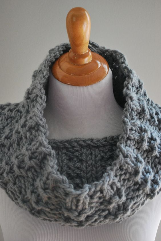 mid december knit cowl pattern