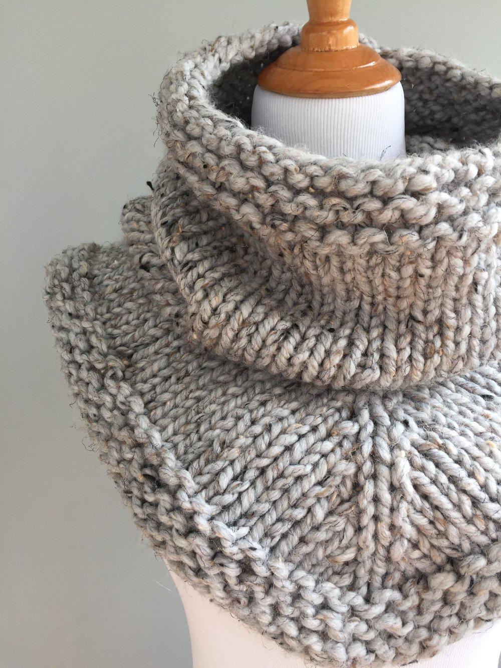 Knit Stockinette Bandana Cowl Pattern — Knit Freely