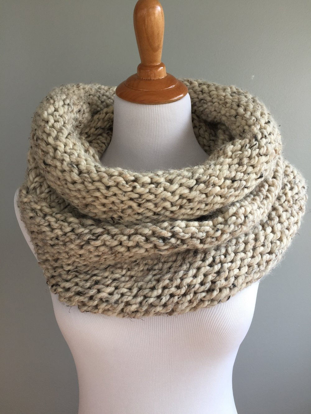 Simple Knit and Purl Cowl