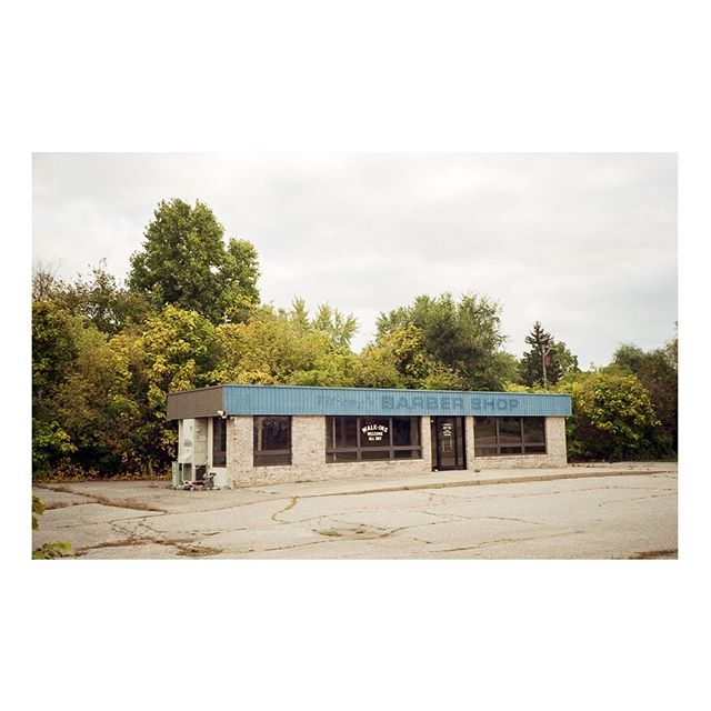 used to be an ice cream shop, then a barber shop, now a vacant lot // shot on Kodak Gold 200 with a Canon SureShot Supreme⠀ •⠀ •⠀ •⠀ •⠀ •⠀ •⠀ #burbsonfilm #sideroadmagazine #abandonedbuilding #abandoned #fall #fallonfilm #suburbanmidwest #analoguephotography #buyfilmnotmegapixels #analogvibes #analog #shotonfilm #grainisgood #photofilmy #legacyshooters