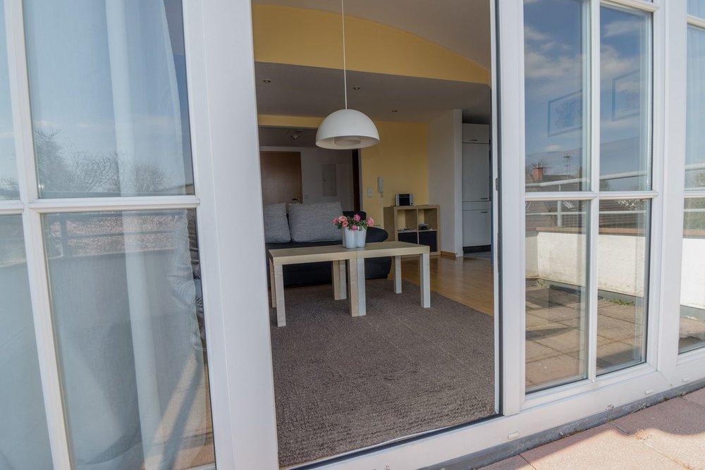 Apartment / Balkon / Terrasse / Wohnzimmer