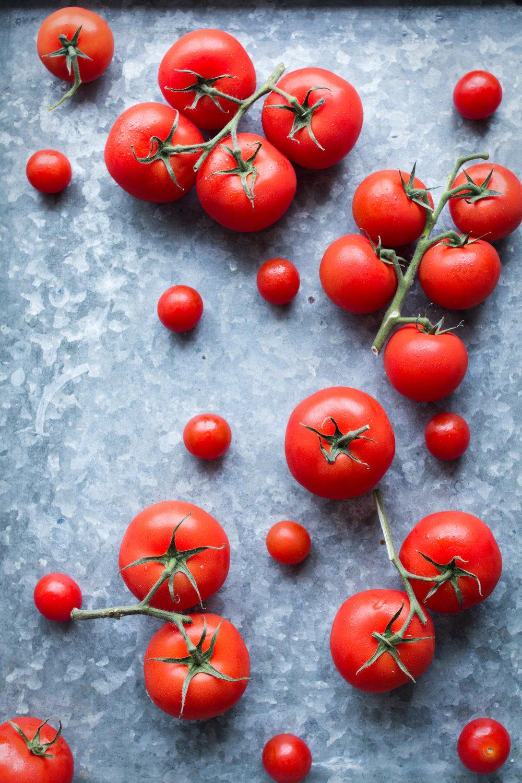 tomatoes veggie burger