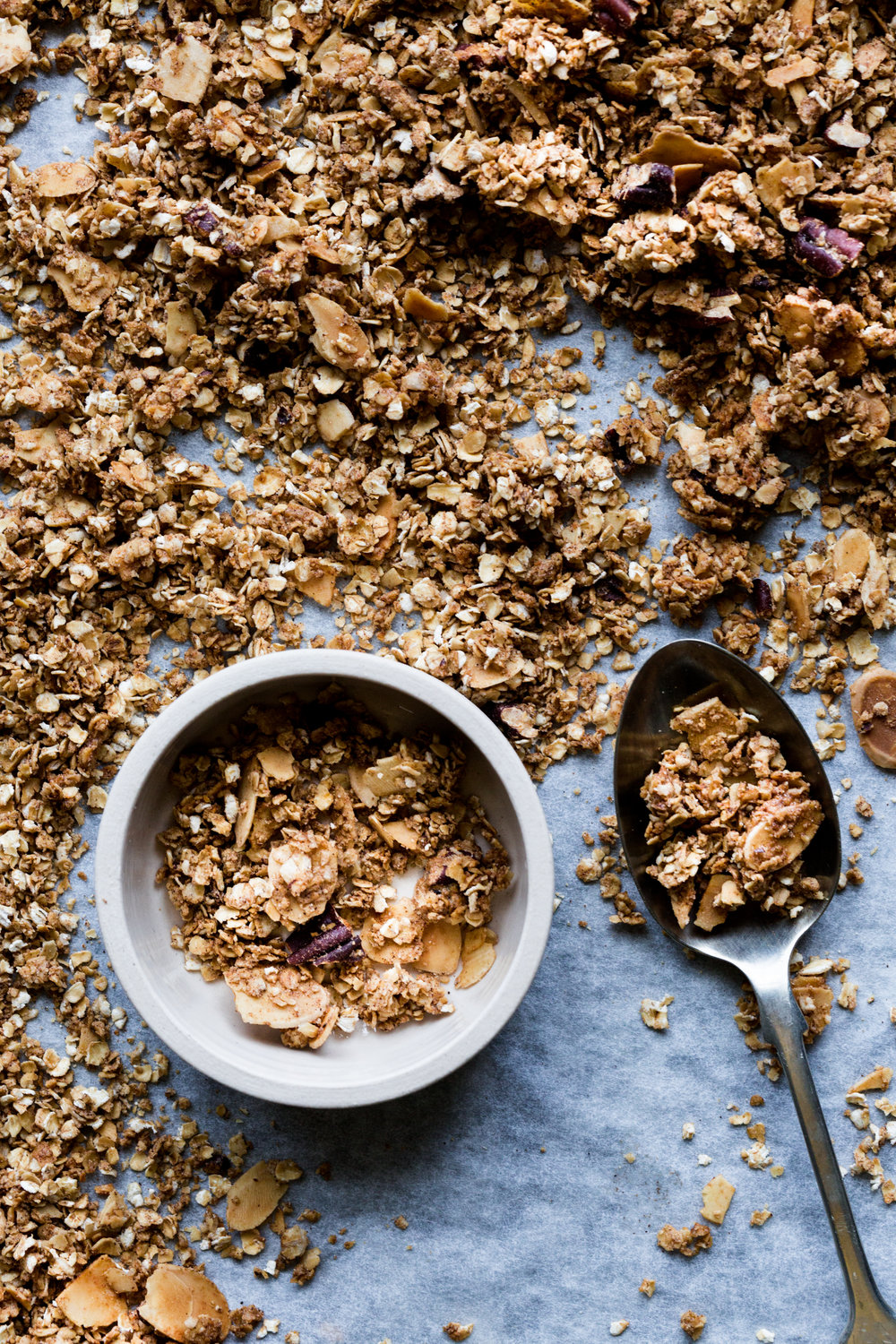 How to make easy vegan granola with poached rhubarb - The Little Plantation blog