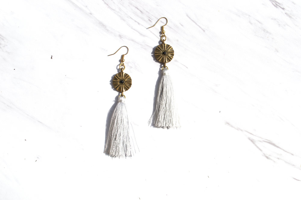 D E C O $35 Handmade. White tassel with hints of black thread. 21mm 18k gold plated short fish hook. Nickel-free. Please   contact me   for other color combinations