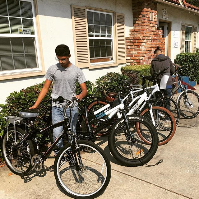 Getting our bikes ready for the massive garage sale this weekend. We have epic sale prices to clear out space in preparation for the move to our new location! #elvmotors #electricbike #ebike #garagesale #citywidegaragesale
