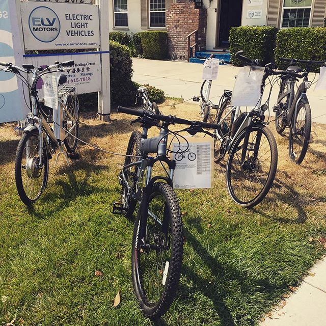 We've been getting some great traffic coming through on day 1 of our epic garage sale! Stay tuned for more photos of ebikes, motorcycles, scooters, and more! #elvmotors #electricbike #ebike #velomini #tempobike #bullsbikes #magnumbikes #besv #garagesale #biomega #eprodigy #stromerbike