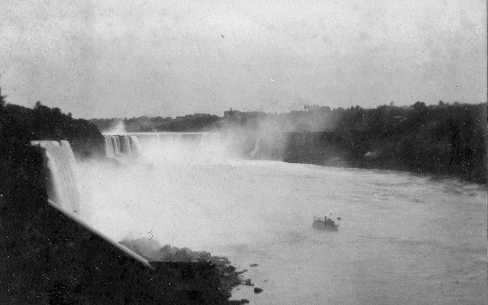 1903 falls grannys eye.jpg