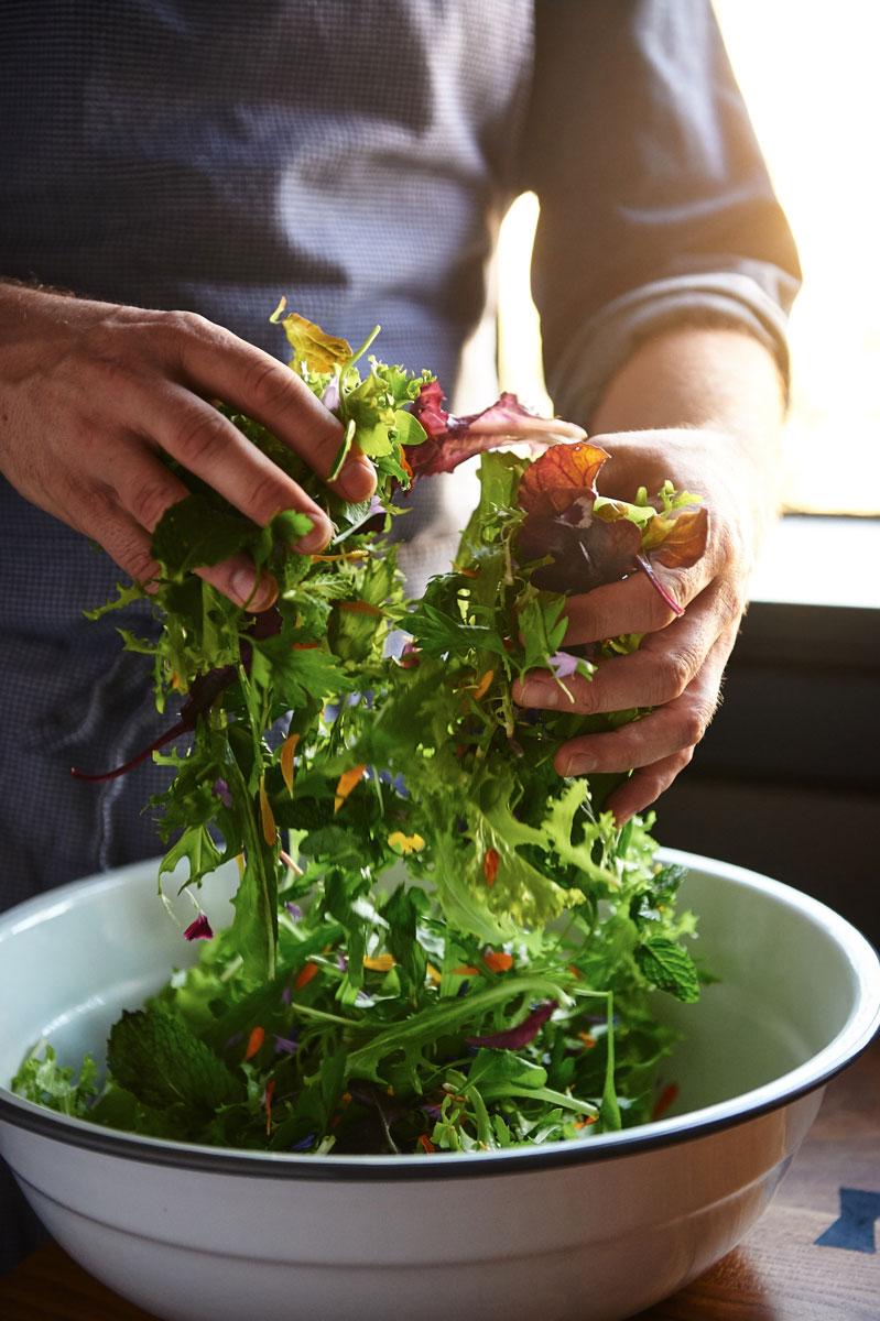 How-to-dress-a-salad_332.jpg