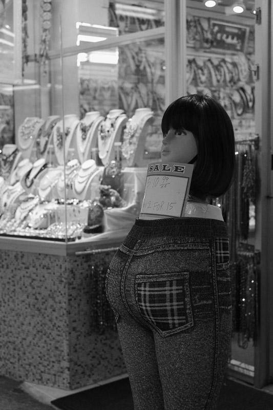 Sale, Chinatown, San Francisco.
