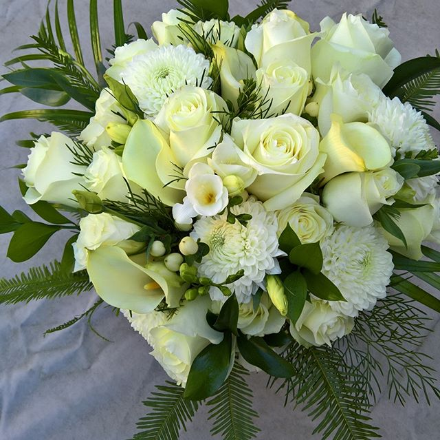 S's beautiful tropical inspired bouquet. I loved the flower and greenery combination. So many pretty flowers to work with. #weddingflowers #whiteweddingflowers #melbourneweddingflorist #melbourneweddingflowers #weddingflorist #tropicalbouquet #bridalbouquet #toembellish