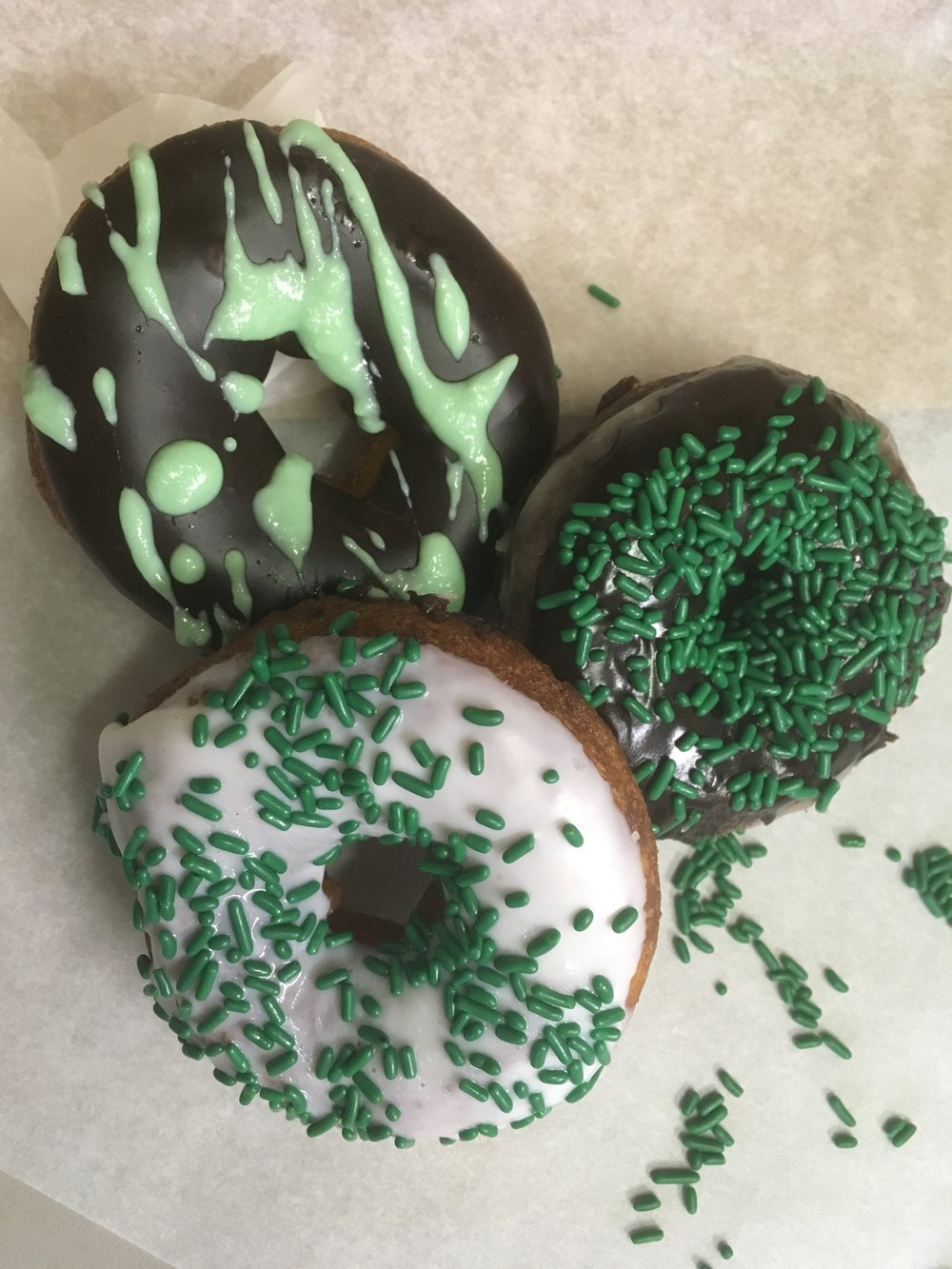 St. Patty's Day Special       Available March 15-18 Only! - Green is the Theme!Sweet is the Treat!Pre Order Today!