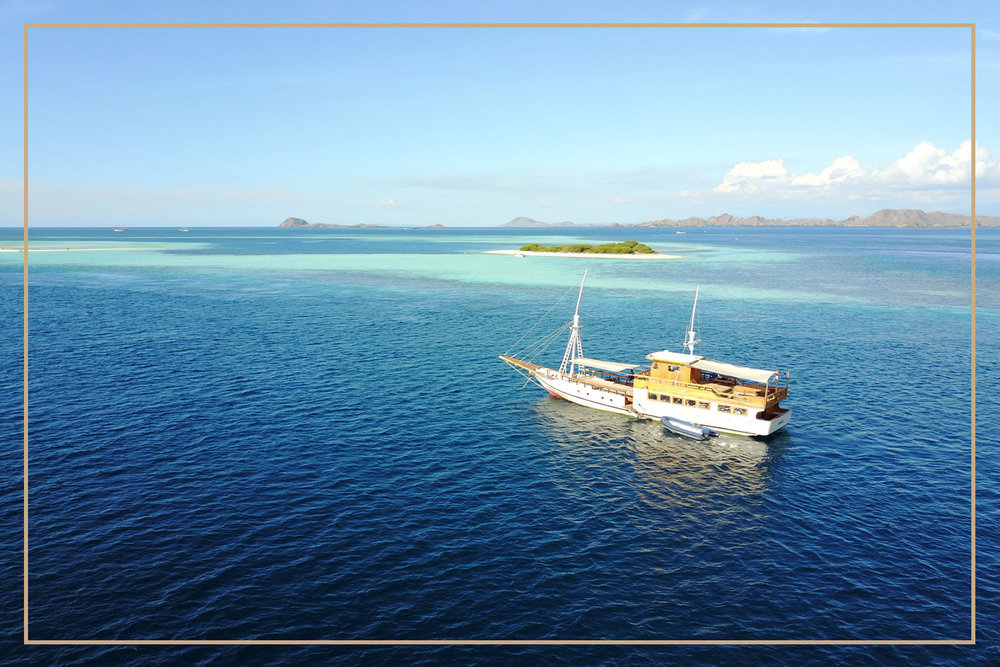 pinisi-boat-cruise-return