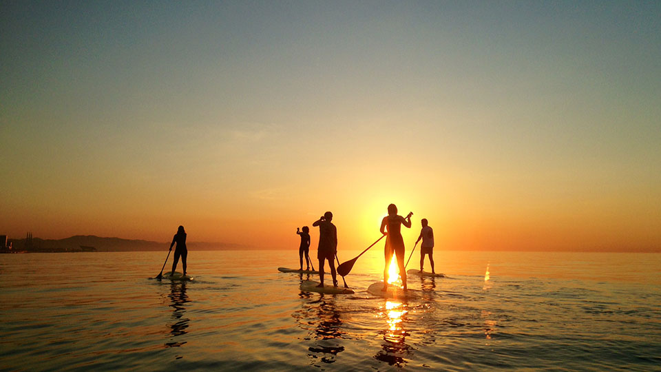 Pukas-Surf-Eskola-Barcelona-SUP-Amanecer-Dawn-04.jpg