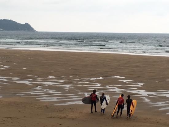 pukas-surf-eskola-zarautz (3).jpg