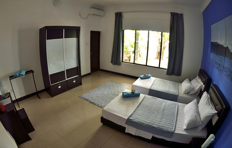 maldives-twin-room.jpg