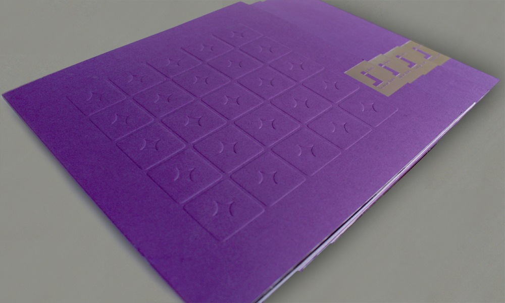 PRESS KIT FOLDER - BLIND EMBOSSING AND FOIL STAMP ON SPECIAL PAPER