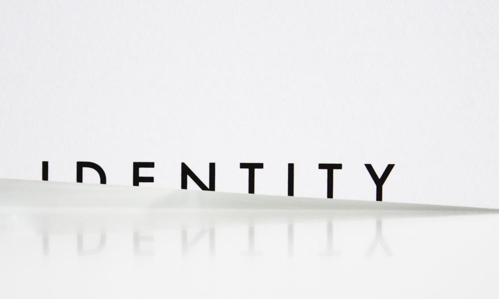 BRAND IDENTITY | LOGO | NAMECARD