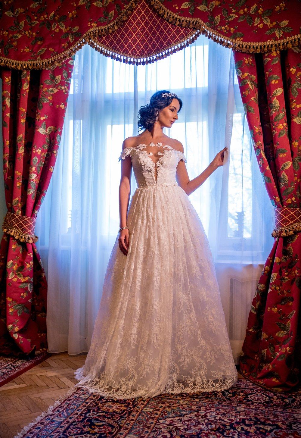 CAMELINE Wedding Dress