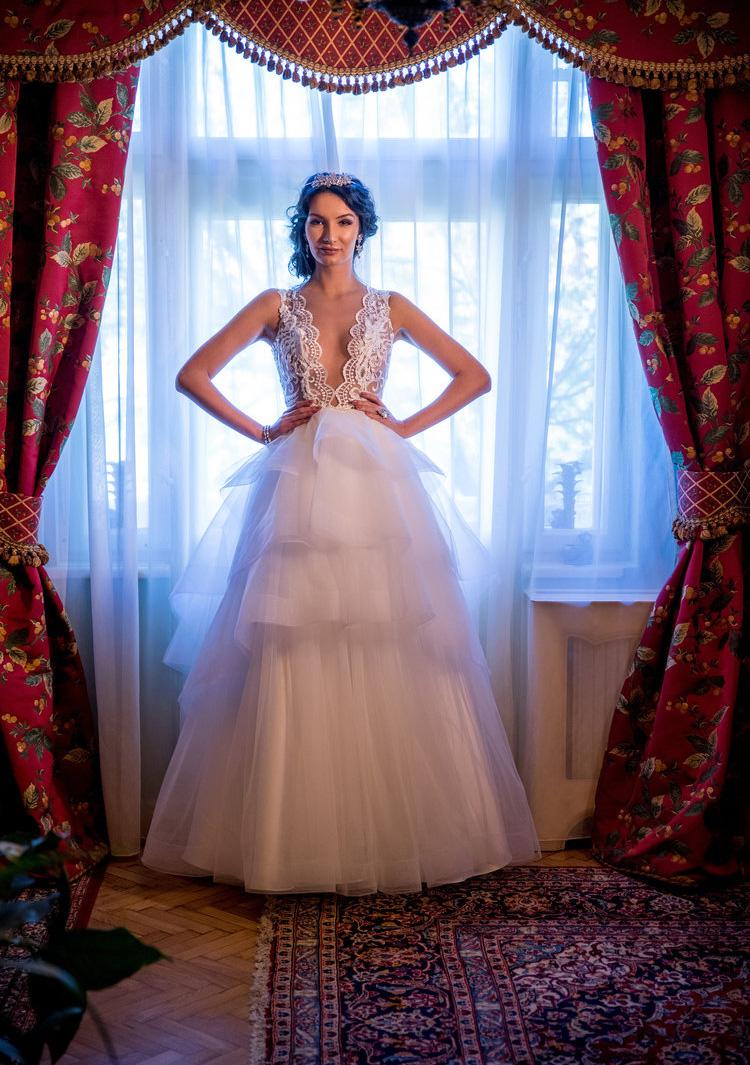 Camélia : Princess wedding dress with cascading ruffles and a lace embellished V-neckline