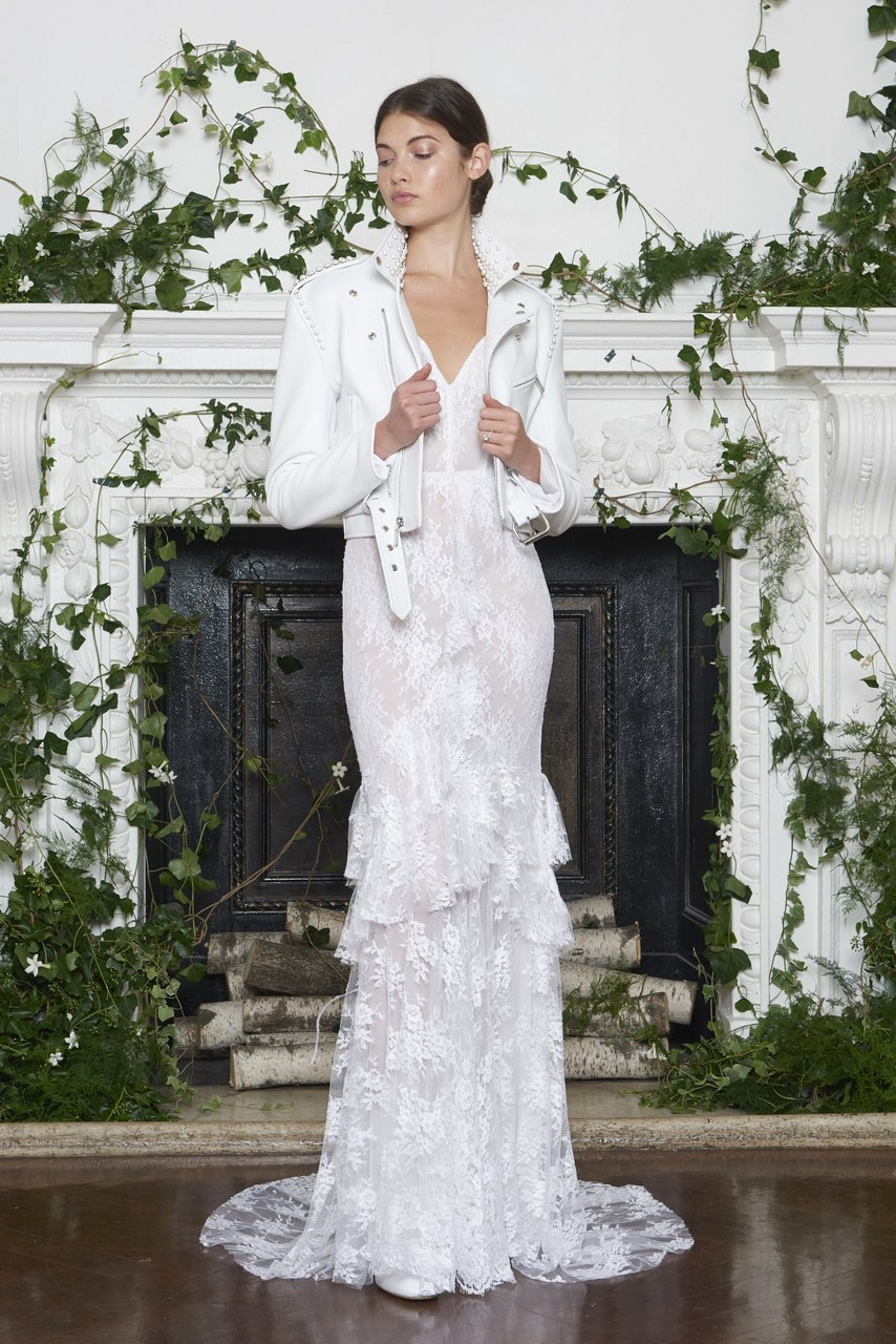 Wedding dress by Monique Lhuillier. Image by ©Greg Kessler/KesslerStudio