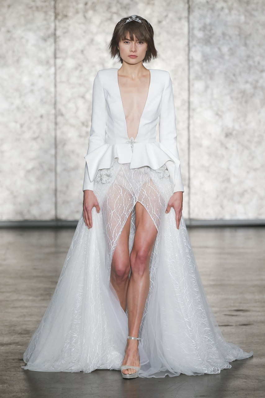 Wedding dress by Inbal Dror. Image by © DAN AND CORINA LECCA