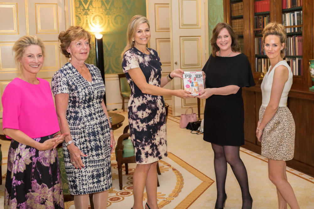 Presenting Queen Máxima of the Netherlands with the first copy of Project Prep