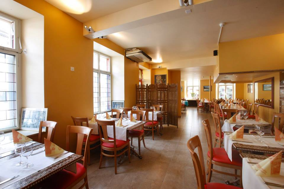 - Indisches Restaurant mit einzelnen Menüs mit Bio-Gemüse.Das indische Restaurant Mandir bietet leckere Menüs für jeden Geschmack vor Ort und als Take-Away. Einzelne Gerichte sind mit Bio-Gemüse so zum Beispiel das Bio-Vegetables Curry oder die Chef ki Vegitable Plate.