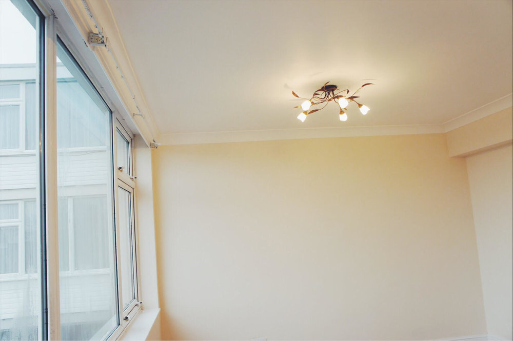 FIVE OAKSLight & Bright - IDEAL FIRST HOME OR INVESTMENT OPPORTUNITY!