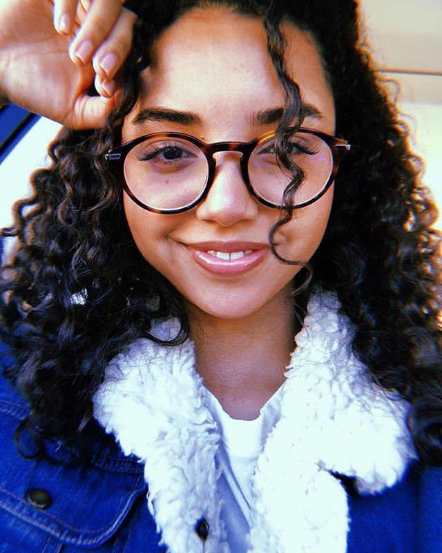 From when I went to the Curl Doctor (@shaiamiel )😱 My curls have been rejuvenated! Will post my routine on my stories soon . . . . . #curlygirl #curlyhair #curldoctor #devacut #devacurl #innersenseorganicbeauty #curlyhairstyles
