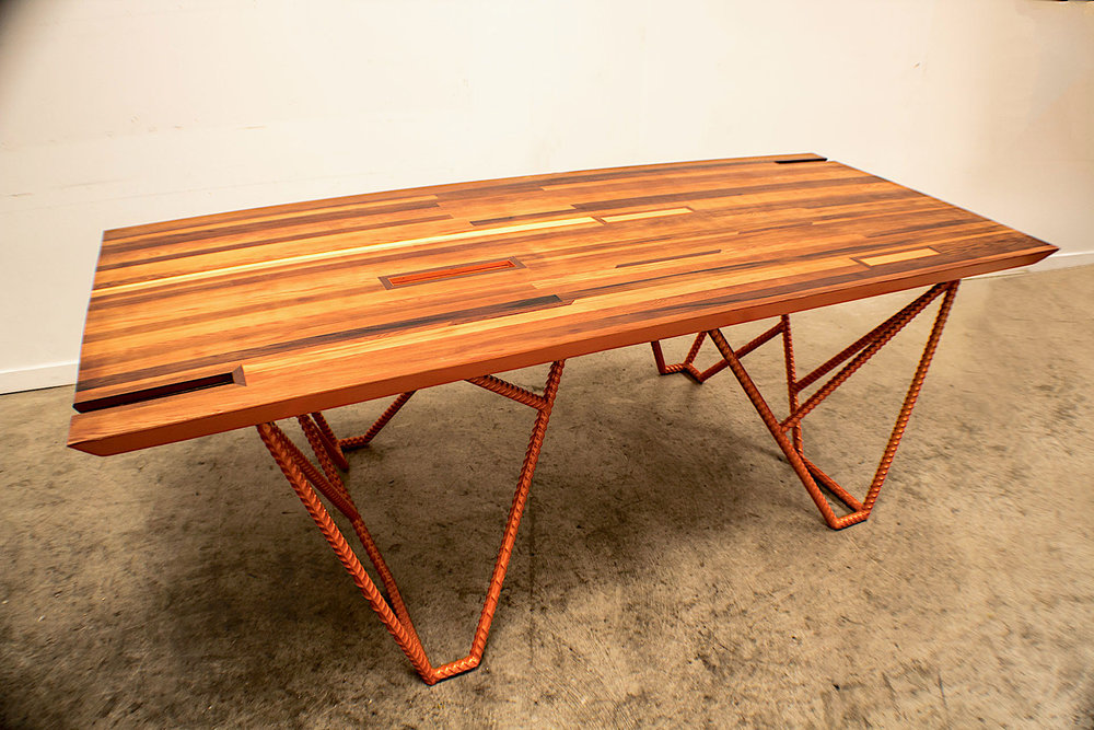 1. NARANJA dining table