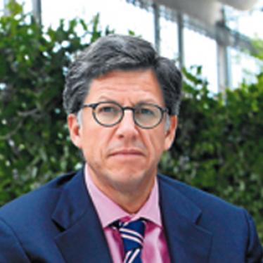 José Miguel Vivanco - José Miguel Vivanco, director of Human Rights Watch's Americas division, is a general expert on Latin America. Before joining Human Rights Watch, Vivanco worked as an attorney for the Inter-American Commission on Human Rights at the Organization of American States (OAS). In 1990, he founded the Center for Justice and International Law, an NGO that files complaints before international human rights bodies. Vivanco has also been an adjunct professor of law at Georgetown University Law Center and the School of Advanced International Studies at John Hopkins University. He has published articles in leading American and Latin American newspapers and is interviewed regularly for television news.