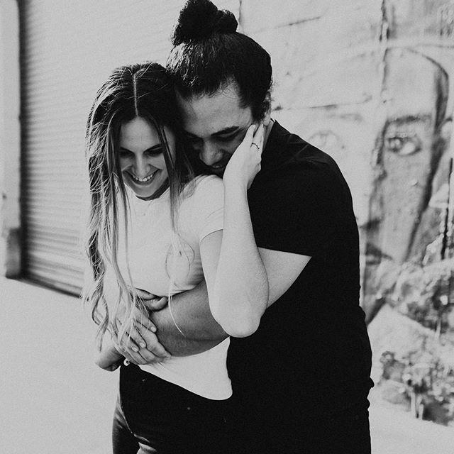 Had so much bopping around Brooklyn with these two on Saturday 🙌🏻 it was 70 and sunny 🌞 . . . . . . #newyorkweddingphotographer #brooklynweddingphotographer #nycweddingphotographer #ohioweddingphotographer #nycengagementphotographer #redhook #couplesphotoshoot #brooklyn #radstorytellers #wanderingweddings #muchlove_ig #belovedstories #dirtybootsandmessyhair #oarsandbeanies #beautifulkindoflove #wildandcrazylove #loveandwildhearts #photobugcommunity #gpresets #junebugweddings #greenweddingshoes #adventerouslovestories #myfavoritelovestory