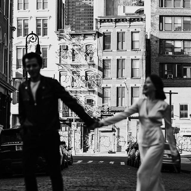 Sending off this gallery today 🖤 . . . . . . #newyorkweddingphotographer #brooklynweddingphotographer #nycweddingphotographer #ohioweddingphotographer #nycengagementphotographer #redhook #couplesphotoshoot #brooklyn #radstorytellers #wanderingweddings #muchlove_ig #belovedstories #dirtybootsandmessyhair #oarsandbeanies #beautifulkindoflove #wildandcrazylove #loveandwildhearts #photobugcommunity #gpresets #junebugweddings #greenweddingshoes #adventerouslovestories #myfavoritelovestory