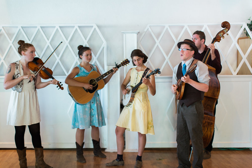 Caitlin Jemma and the Goodness  performed live at the reception at Diamond Lake and had everyone up on their feet with their fun folksy style.  The band even arrived early and surprised Alan and Jacy by performing live for their ceremony!