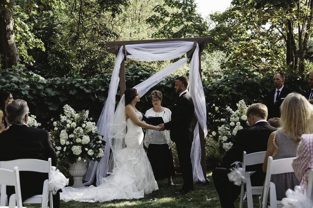 sarahdaniellephotography-portlandintimateweddingphotographer--7145.jpg