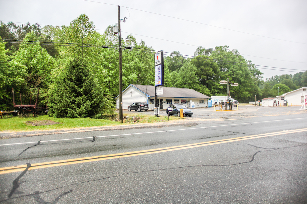 ellijay-gas-station-for-sale-33.jpg