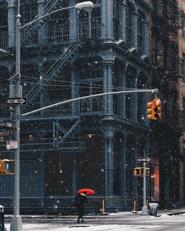"""No winter lasts forever, no spring skips it's turn"" ~ Sydney Harris. With warm weather just around the corner something seems easier about getting out and capturing moments, which gets us excited for the change in season. These NYC winter vibes were caught by @glenallsop"