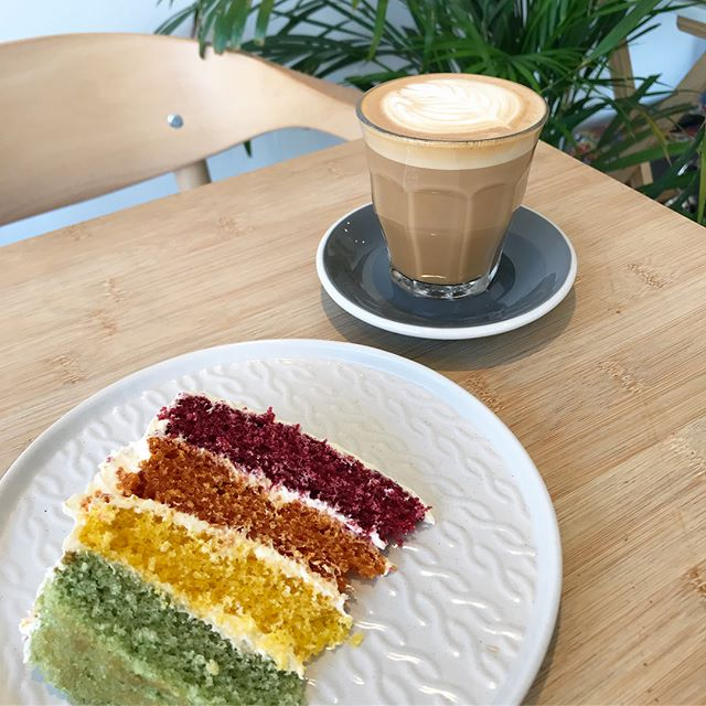 Happy Pride London! We're celebrating with a little rainbow  cake for breakfast 🌈 ...also, come on England!!!