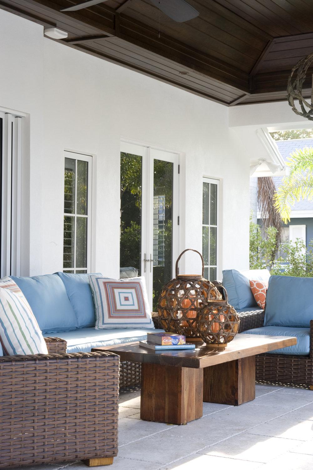 patio seating356.jpg