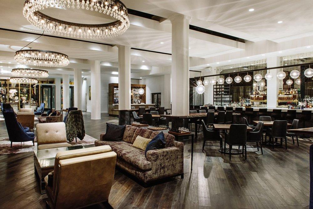 Hotel Covington  lobby/lounge/bar GREAT WIFI