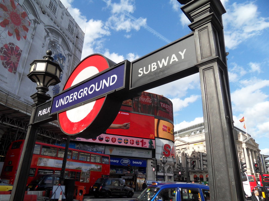 piccadilly_underground_by_ddabug-d3i6qed.jpg