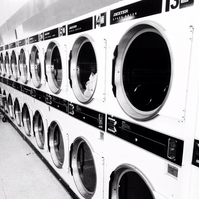 654d76c76b908afbd5ae6fb4bfb99621--laundry-business-vintage-laundry.jpg