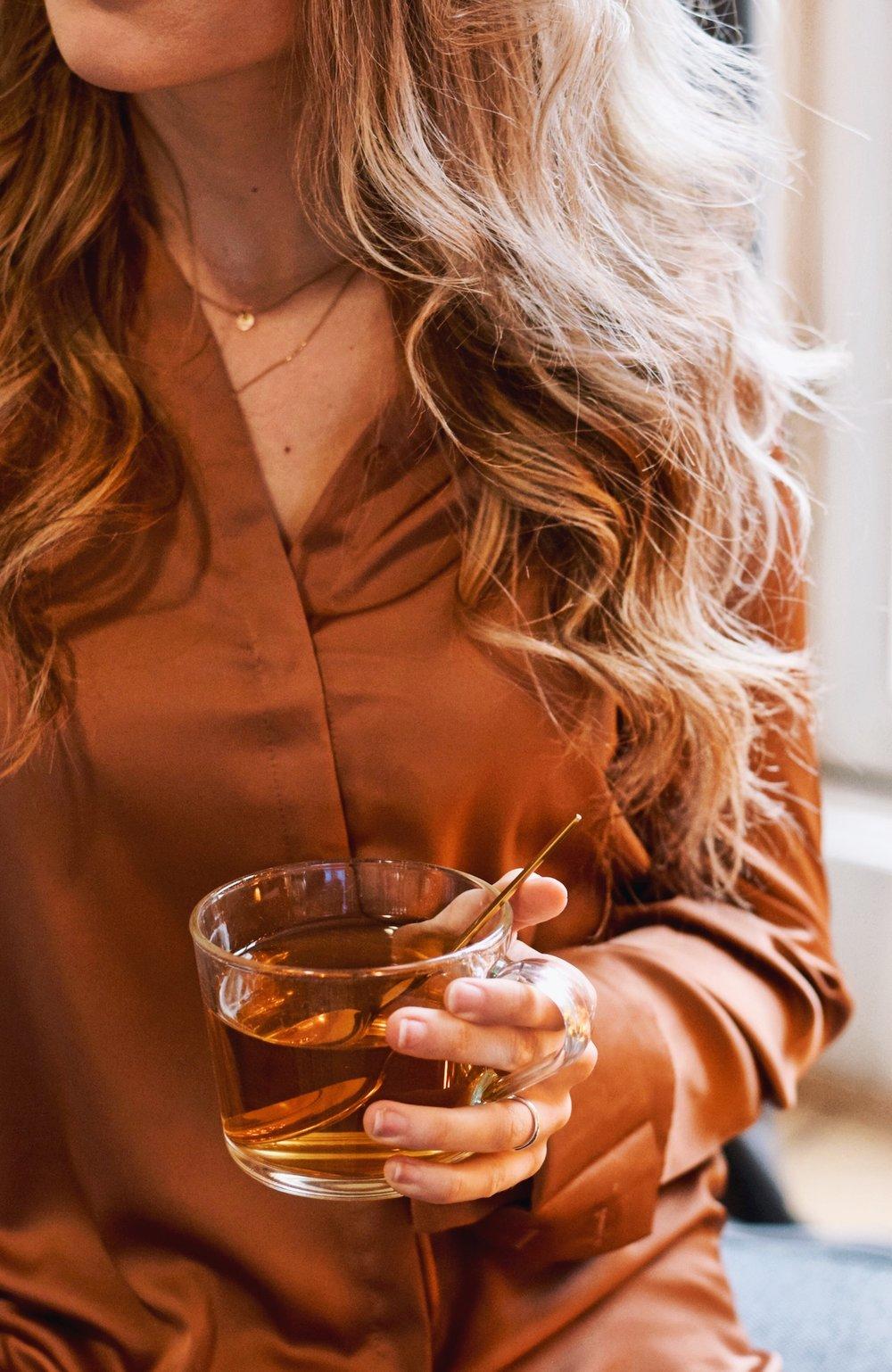 5 HEALTHY BENEFITS OF TEA